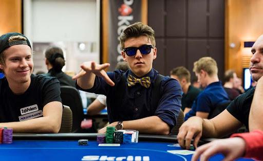 Первый покерный видеоблогер — как добился успеха Анатолий Филатов